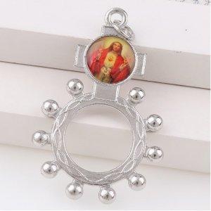 Strieborný prsteň s vyobrazením Ježiša Krista
