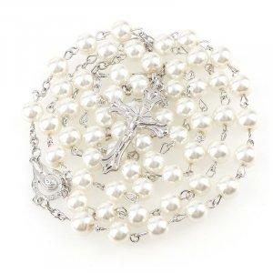 Ruženec s menom biely perlový